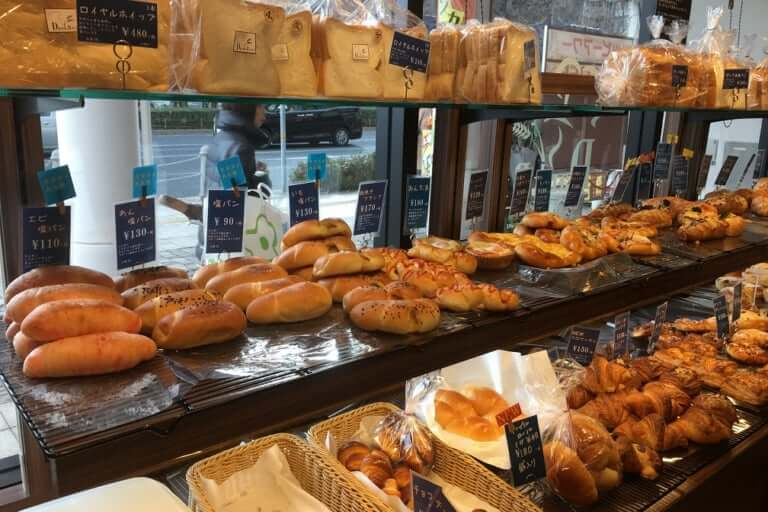 【尼崎市】大阪市鶴見区で人気の『ベーカリーダンクブロート』が尼崎に2号店をオープンされています!さっそく行ってきました!